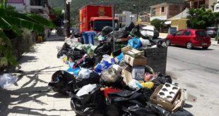 Διαμαρτυρία για επιλεκτική αποκομιδή των σκουπιδιών