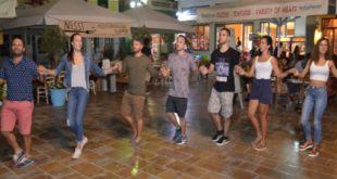 Το μεταμεσονύκτιο «πάρτυ» του Ορφέα στην πλατεία