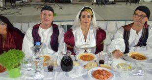 Το τρικούβερτο γλέντι του Χωριάτικου Γάμου στην Καρυά