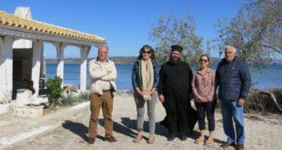 Προσκύνημα της Ελένης Σικελιανού στο νησάκι του Αη Νικόλα
