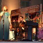 Εξαιρετική η μουσικοθεατρική παράσταση «της αυλής»