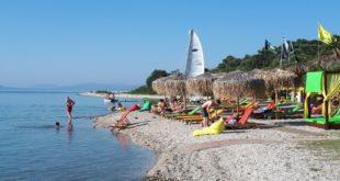 """Η «εξωτική"""" παραλία Φανάρι στο Μεγανήσι"""