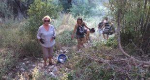 Συνεχίζουν τους καθαρισμούς οι εθελοντές στο Νιοχώρι