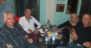 Η φωτο της βραδιάς: Ένας φίλος ήρθε απόψε απ΄τα παλιά…