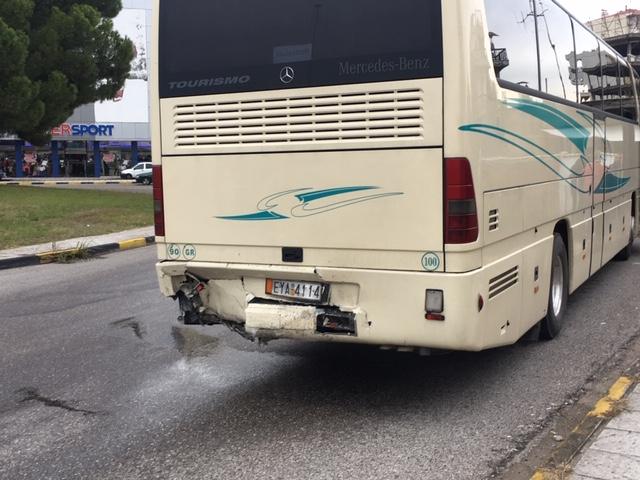 Ι Χ έπεσε πάνω σε λεωφορείο του ΚΤΕΛ Λευκάδας
