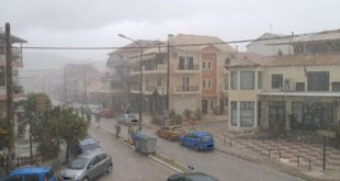 Συμβαίνει τώρα: Χαλαζο καταιγίδα πλήττει την πόλη!