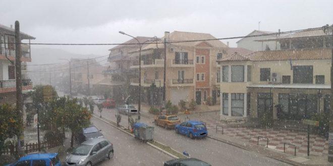 Συμβαίνει τώρα: Χαλαζο-καταιγίδα πλήττει την πόλη!
