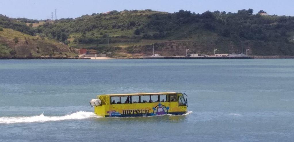 Η φωτο της ημέρας: Λεωφορείο – καραβέλα!