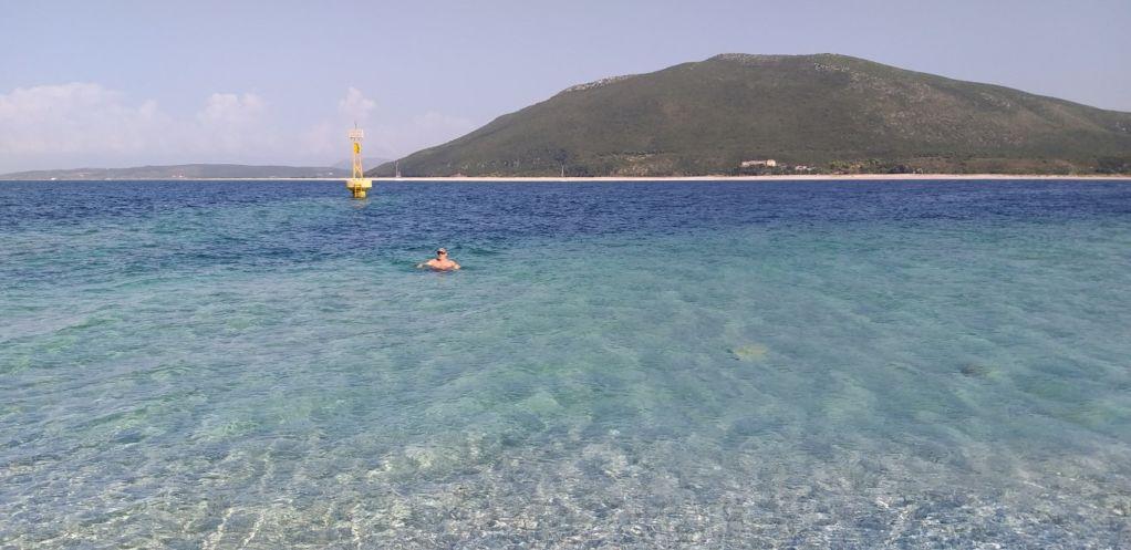 Το καλοκαίρι είναι εδώ(!) κι η θάλασσα; να την πιεις στο ποτήρι…