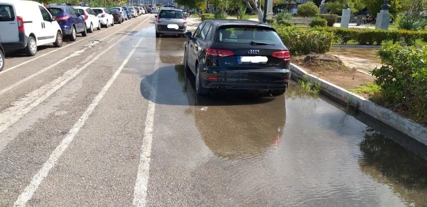 Η φωτο της ημέρας: Πλημμυρισμένα οδοστρώματα…