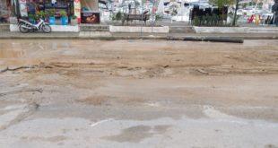 Άνοιξε η γη στην οδό Γολέμη και παραλίγο να καταπιεί αυτοκίνητο!