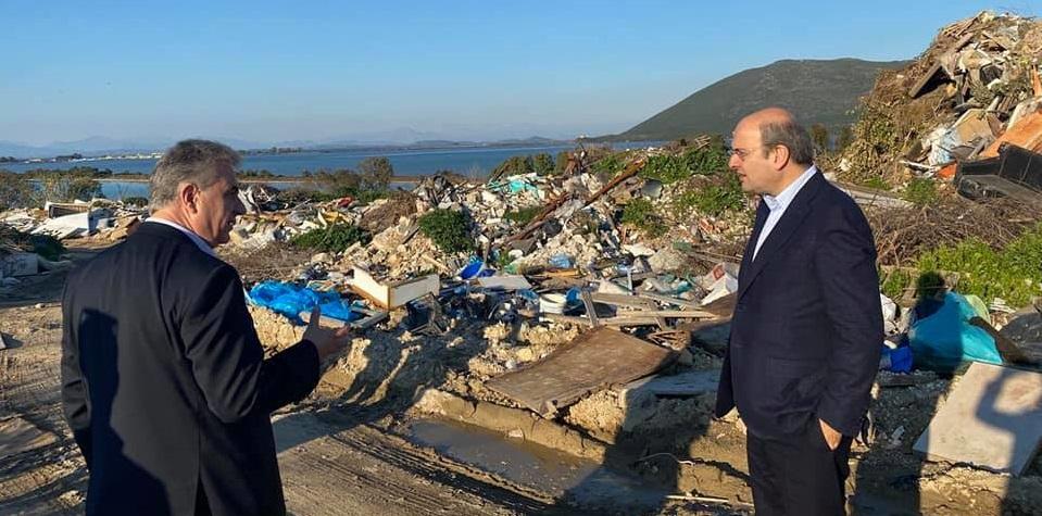 Ο Υπουργός βρήκε το μπελά του στη Λευκάδα!