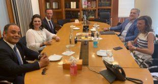 Μνημόνιο συνεργασίας μεταξύ Περιφερειάρχη και Axion