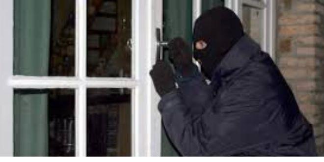Γύρισαν στο σπίτι τους και βρήκαν τους κλέφτες μέσα!