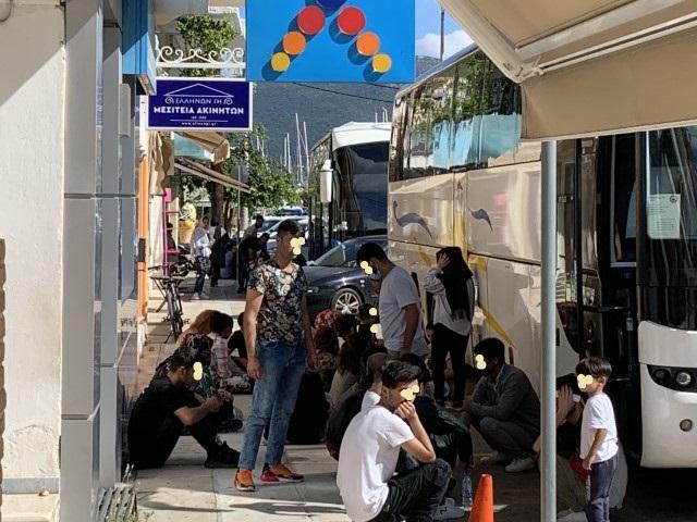 Δυο λεωφορεία με μετανάστες έφθασαν στη Λευκάδα
