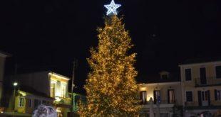 Δωρεά Λ. Πάλμου και το φετινό δένδρο της πλατείας!