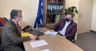 Ο βουλευτής για προσλήψεις στο ΓΝΛ και εμβολιασμό νησιωτών
