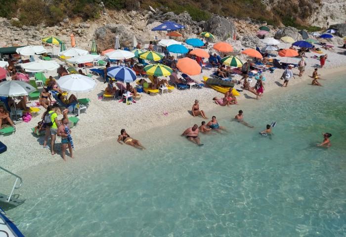 Να ελπίζουμε φέτος για νομιμότητα στις παραλίες μας?